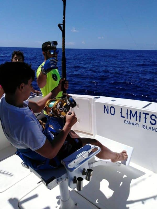 Tour on no limits fishing boat