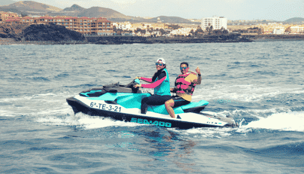 2 people enjoying a jet ski excursion in Tenerife