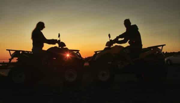 Quads avec coucher de soleil dans le parc national El Teide
