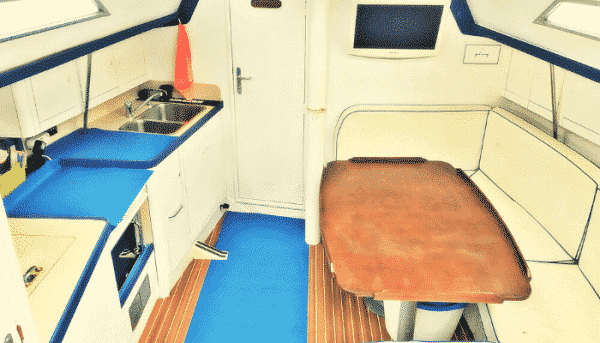 Kitchen and the deck of the skyline boat