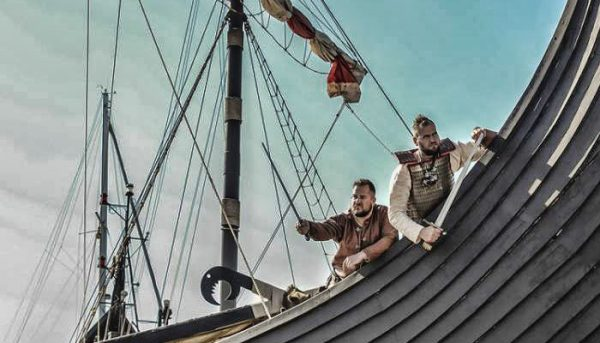 2 vikings during a boat tour