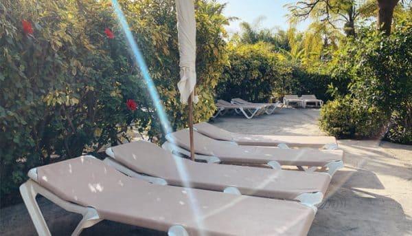 Sunbathing beds in Siam Park