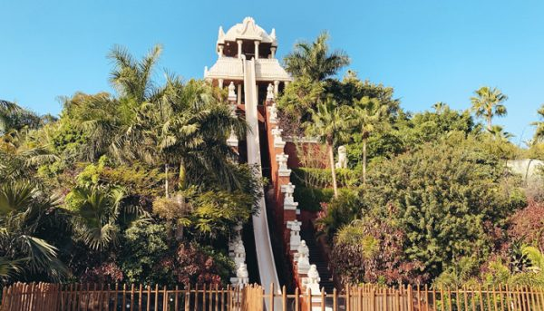 Power of tower in Siam Park