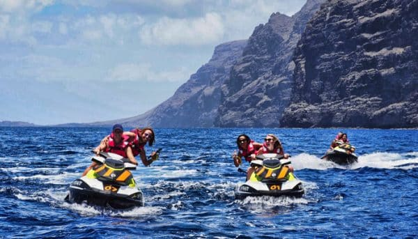3 jet ski's near the cliffs of Los Gigantes