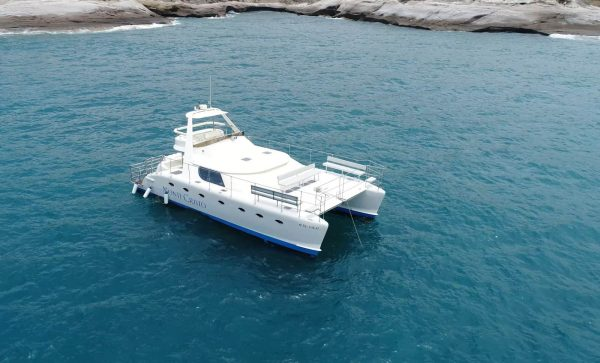 Monte Cristo catamaran on a tour