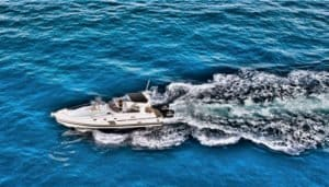Speed cruising on the ocean
