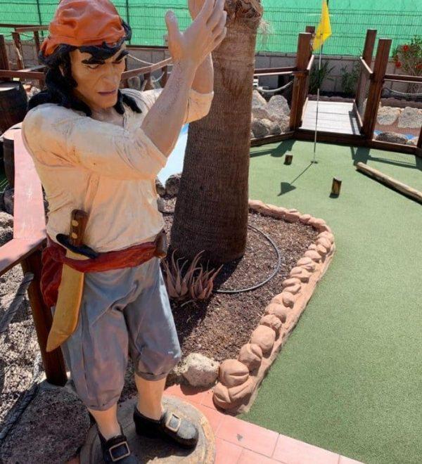 Mini golf course in Tenerife with pirate theme