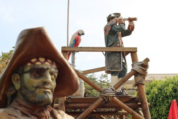 Pirate statues on the mini golf course in Tenerife