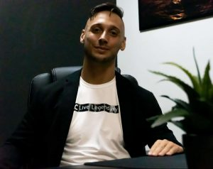 Roy Schijvens is de CEO en oprichter van Club Canary tourbedrijf